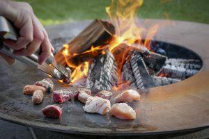 Oud naar nieuw - P-style - foto3 - kokerellen op de vuurschaal